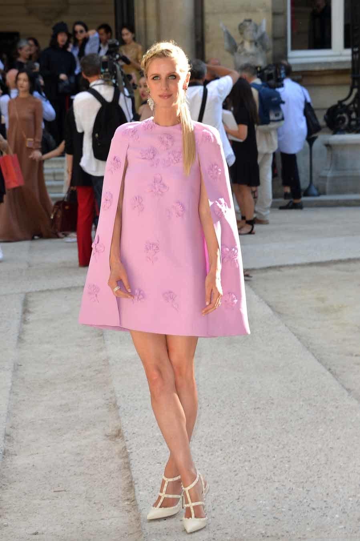 La socialité se decantó por un total look en rosa muy...
