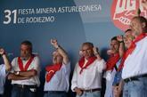 El líder minero de UGT, José Ángel Fernández Villa (en el centro),...