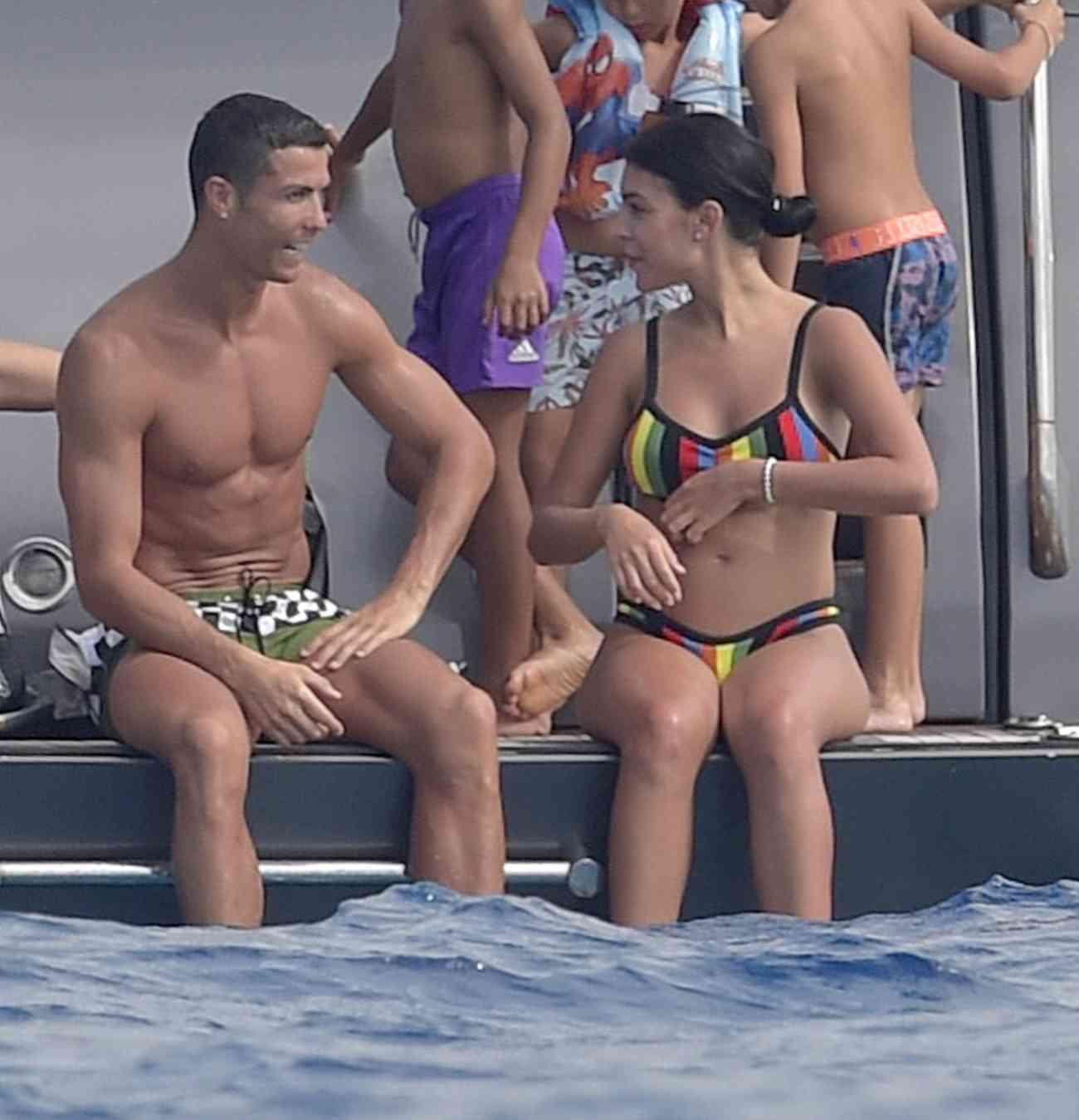 Cristiano Ronaldo Y Georgina Rodríguez Disfrutan De Una Jornada