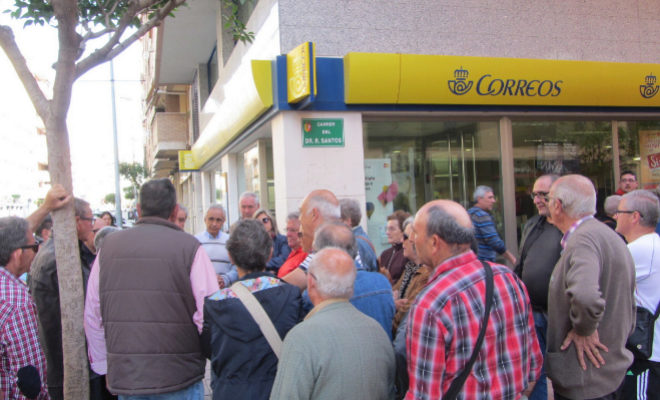 Dos meses sin cartas en las zonas tur sticas de vinar s for Oficina correos castellon