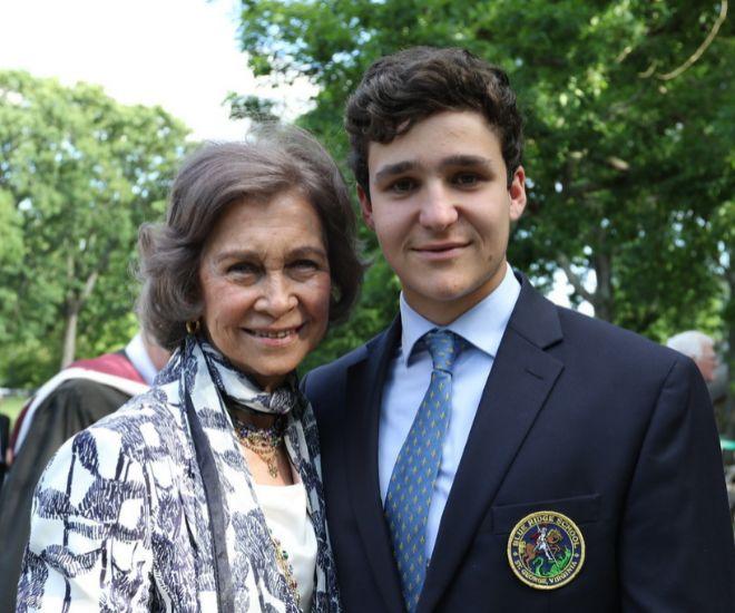 La reina Sofía posa con su nieto Froilán