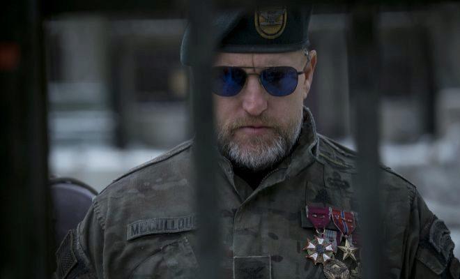 El Coronel (Woody Harrelson) encabeza la batalla contra los simios.