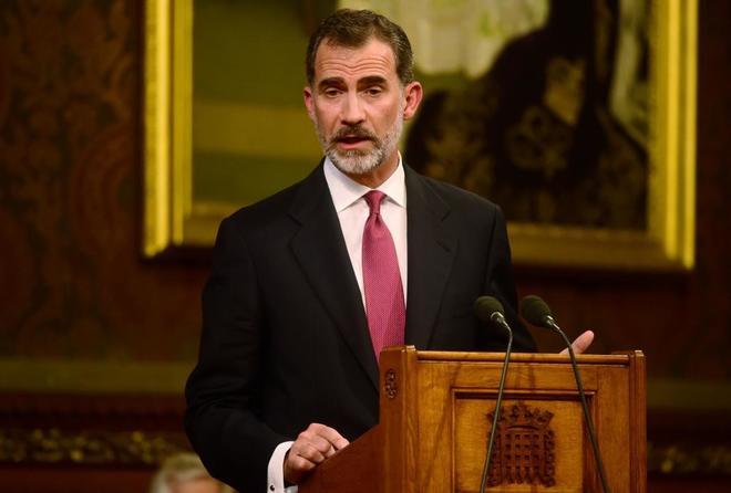 Felipe VI defiende la aportación española en el Reino Unido, este...