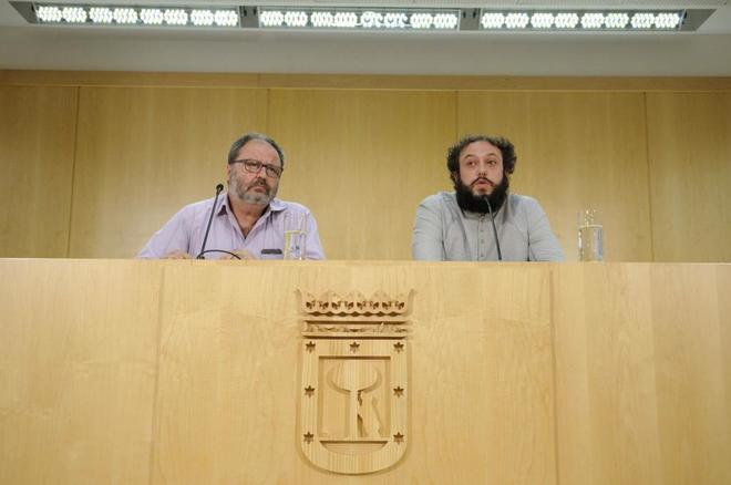 Los concejales del Ayuntamiento de Madrid Javier Barbero y Guillermo Zapata.