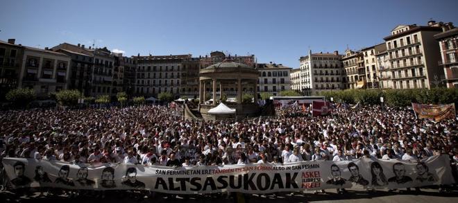 Concentración en la Plaza del Castillo de Pamplona.