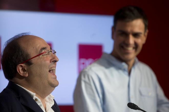 Miquel Iceta y Pedro Sánchez, tras su reunión celebrada este viernes...