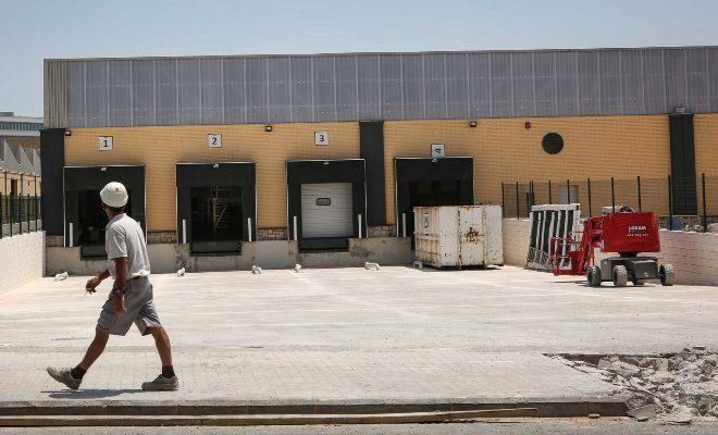 Amazon escoge paterna para su primer centro log stico en for Oficinas de la seguridad social en valencia