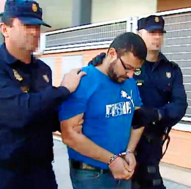 """La esposa de un terrorista encarcelado: """"Le enseñaba vídeos islamistas a mi hijo, que lloraba de terror"""""""