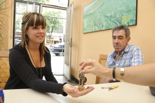 El porcentaje de españoles que apuesta por el alquiler de vivienda se acerca al de los partidarios de comprar