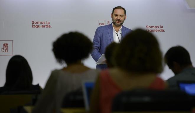 El secretario de Organización del PSOE, José Luis Ábalos, en rueda...