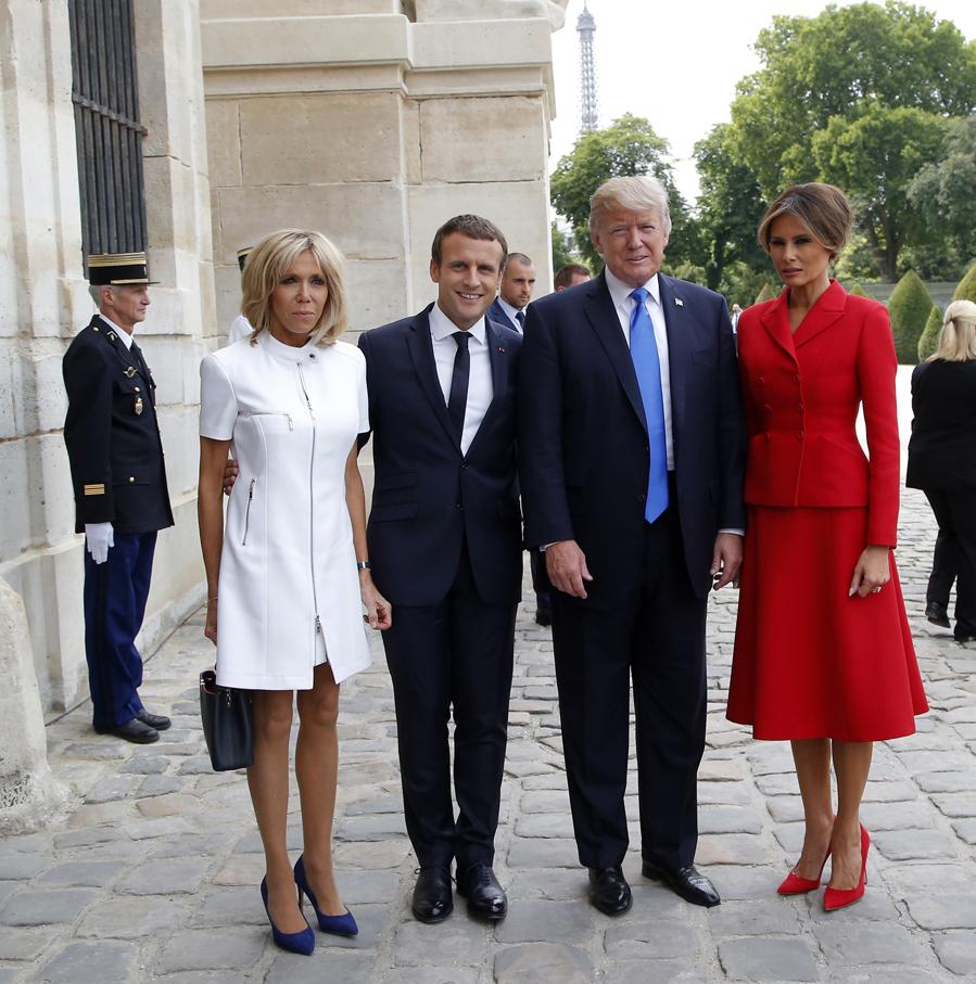 Fiel a Nicolas Ghesquière y a la firma Vuitton, Brigitte Macron...