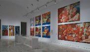 Las salas de la exposición 'NSK del Kapital al Capital' lucen grandes...