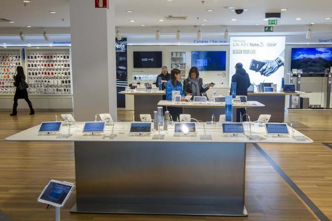 Inauguración de una tienda de Samsung en Bilbao.
