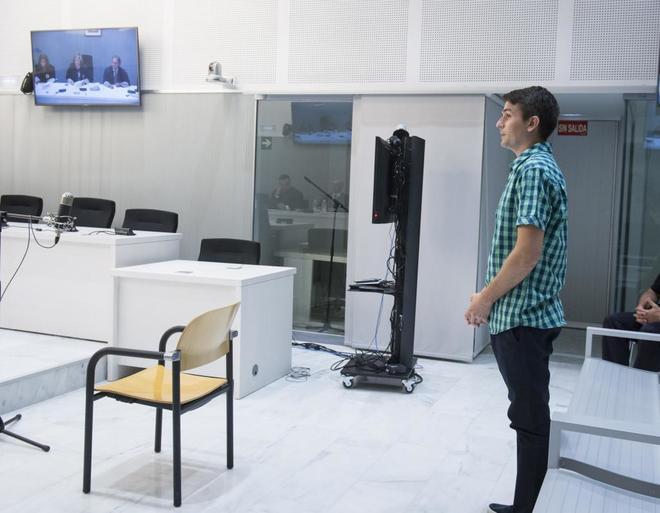 El hacker Stanislav Lísov durante la vista de extracidión a Estados...