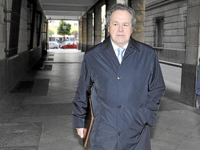 El ex presidente de Invercaria, Tomás Pérez Sauquillo, en los juzgados.
