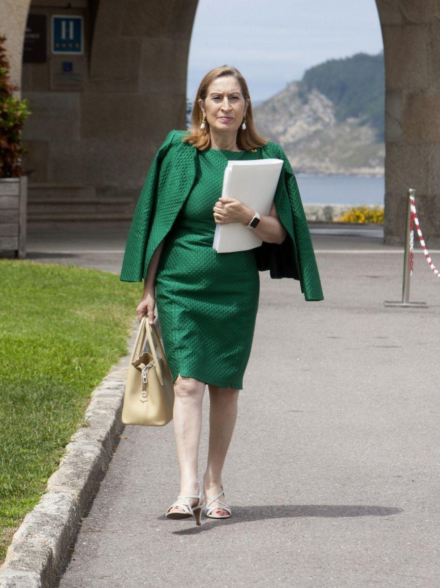 Presidenta del Congreso y tan gallega como su amigo Rajoy.