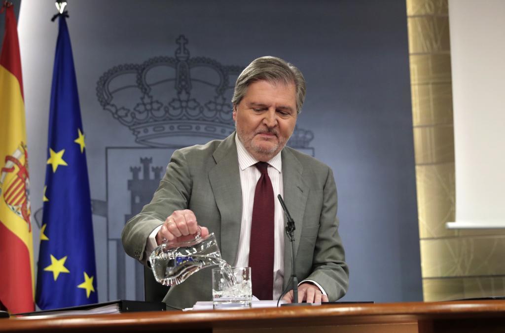 El Gobierno amenaza con cortar financiación a Cataluña si la destina al referéndum independentista