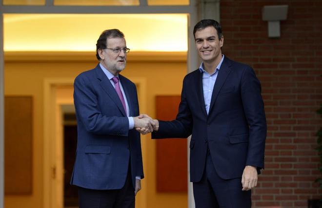Mariano Rajoy recibe en la Moncloa a Pedro Sánchez el pasado 6 de...