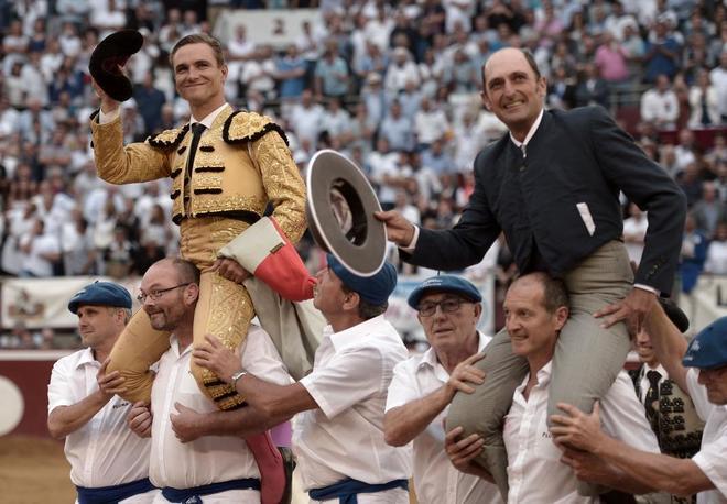 El francés salió a hombros junto al mayoral