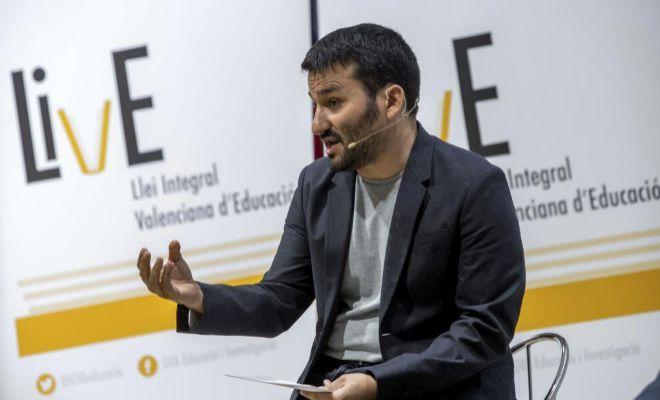 Marz pide al ministerio de educaci n plazas de for Ministerio de educacion plazas