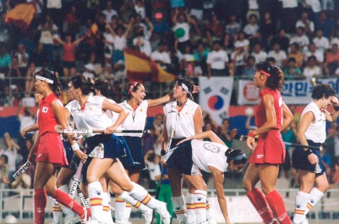 Las jugadoras de hockey españolas durante los Juegos de Barcelona 92.