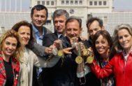 Reunidos por EL MUNDO, en Montjuïc se citaron estos ocho triunfadores en Barcelona'92. De izda. a dcha: C. Pascual, M. Blasco, A. Peñalver, D. Plaza, F. Cacho, J. Arrese, M. Coghen y T. Zabell, en 2012.