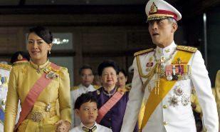 El 'títere' rey de Tailandia doblega a la Junta Militar