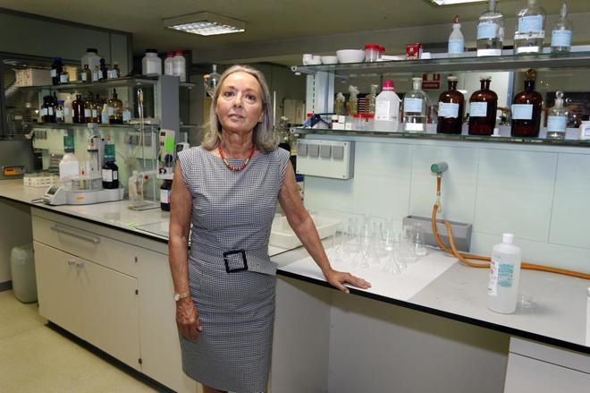 La presidenta del Colegio de Farmacéuticos de Alicante, Fe Ballesteros.