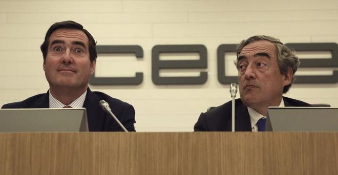 Los presidentes de Cepyme, Antonio Garamendi (izqda.) y de CEOE, Juan Rosell.