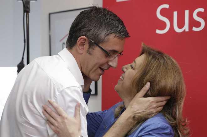 Eduardo Madina con Susana Díaz, el pasado mes de mayo en Madrid.