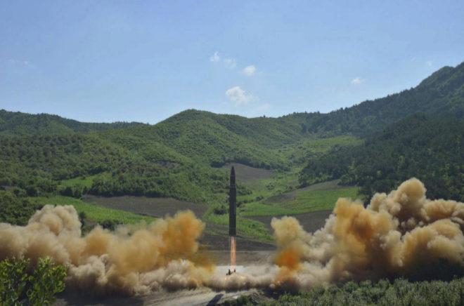 Foto del misil  intercontinental lanzado por Corea del Norte el 4 de julio.