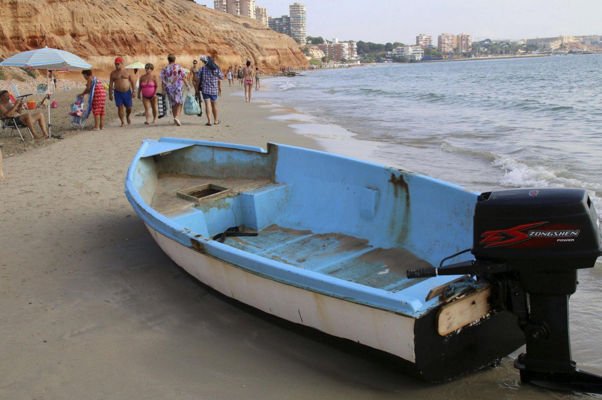 Así es el viaje a España en patera de los niños argelinos ...