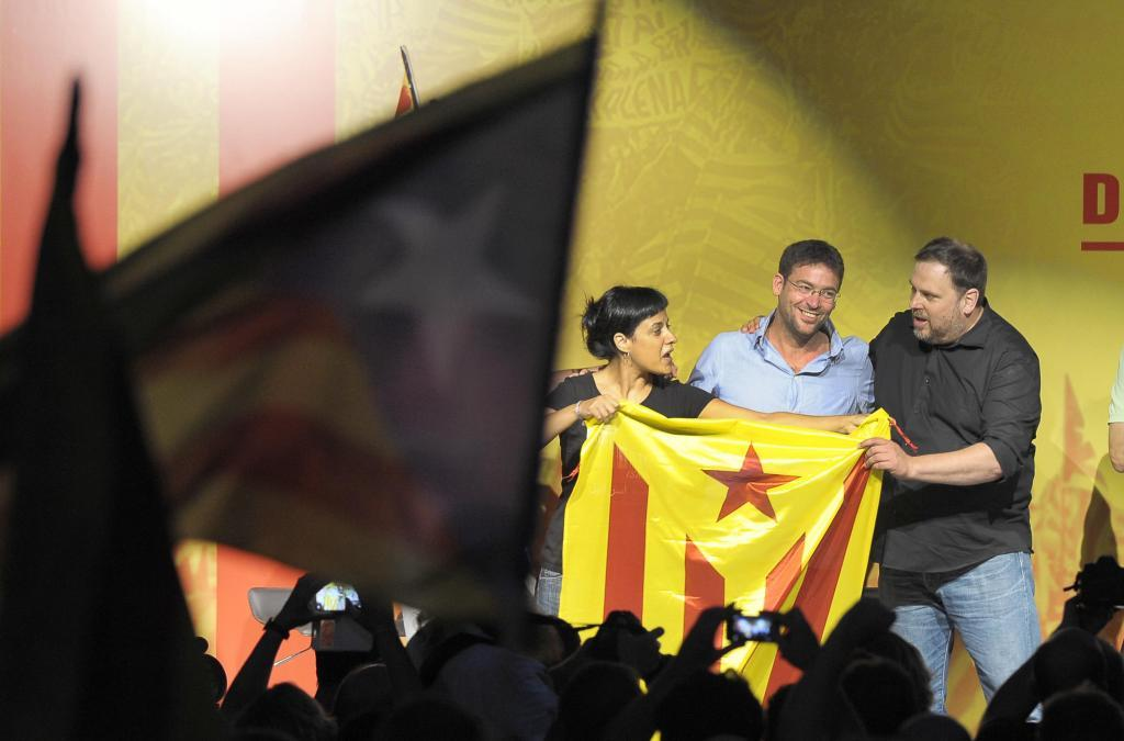 Albano Dante Fachin, en el centro, en un acto con Oriol Junqueras y...