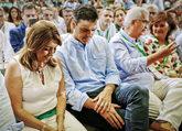 Susana Díaz y Pedro Sánchez, ayer, en la clausura del congreso...