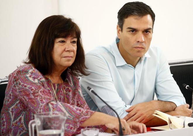 Cristina Narbona y Pedro Sánchez, en una reunión de la Ejecutiva del...