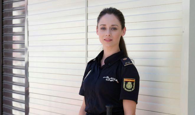 La actriz Elena Rivera, la inspectora Elena Ruiz, en 'Servir y...