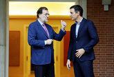 El presidente, Mariano Rajoy, recibe en La Moncloa al secretario...