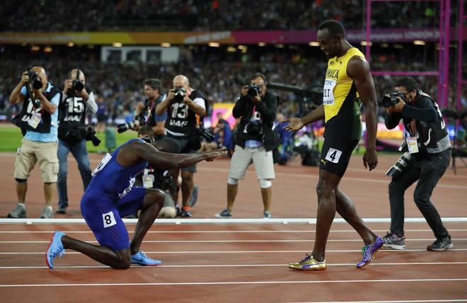 6cb500c924 Mundial de Londres 2017: Usain Bolt sufre la derrota de su vida: vence  Justin Gatlin en los 100 metros del Mundial | EL MUNDO