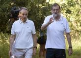 Mariano Rajoy paseando el pasado miércoles con el presidente de la...