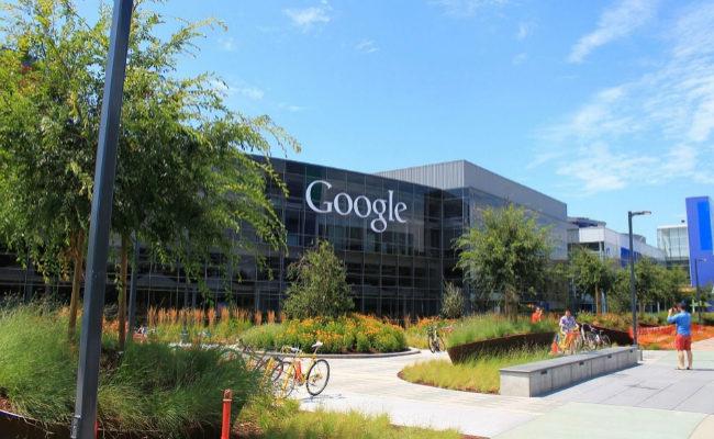 Google se ve envuelto en una polémica sexista