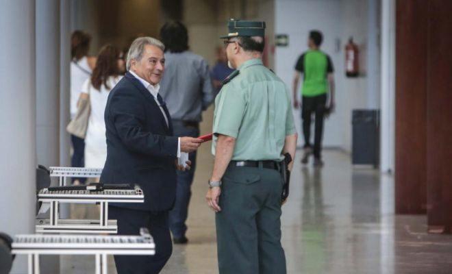 El ex presidente de la diputación Alfonso Rus acude a los juzgados para declarar por el caso Taula.