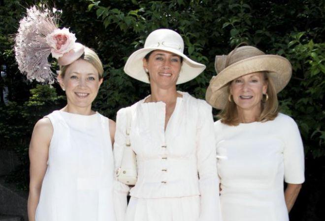 Hannah Buchan, en el medio, en una imagen de archivo.