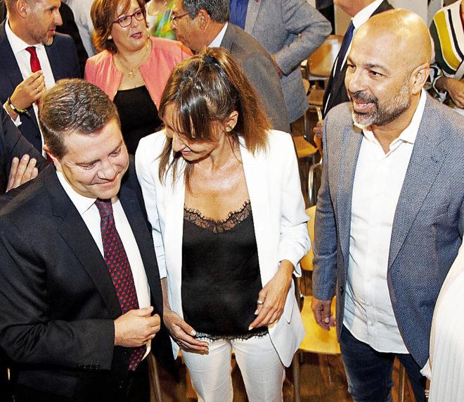 El presidente de Castilla-La Mancha, Emiliano García-Page, con...