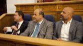 (De izda. a dcha.) El presidnte de Castilla-La Mancha, Emiliano...