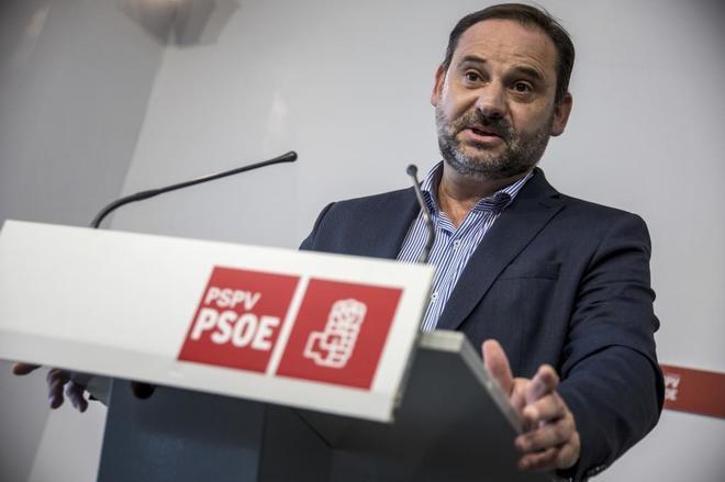 José Luis Ábalos, secretario de Organización del PSOE, en rueda de prensa en Valencia.