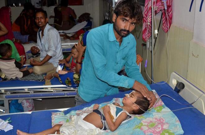 Mueren 64 niños en un hospital de India por falta de oxígeno
