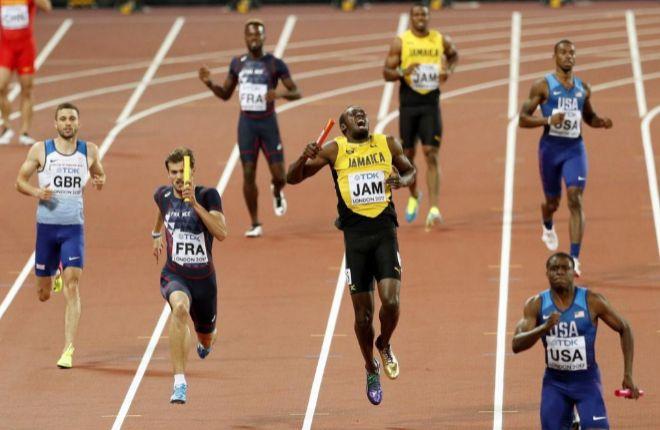 El drama de Usain Bolt, lesionado en su última carrera y fuera del podio en el relevo del 4x100
