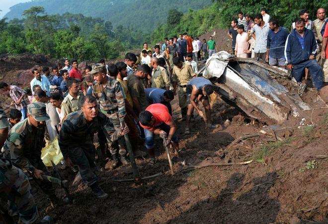 Al menos 45 muertos en India a causa de un corrimiento de tierras por las lluvias
