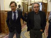 Rafael Hernando, con el diputado de ERC Joan Tardà en el Congreso.