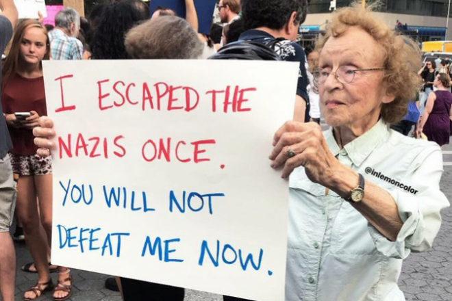 Esta imagen de Marianne Lubin, de 90 años, se ha hecho viral.